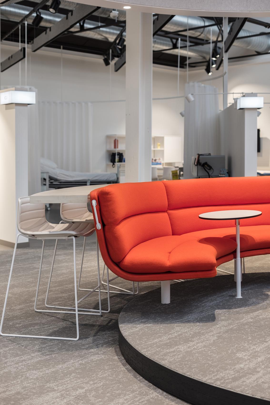 Art Nivo ontwikkelde het volledige retail concept en implementeerde van A tot Z het interieur...