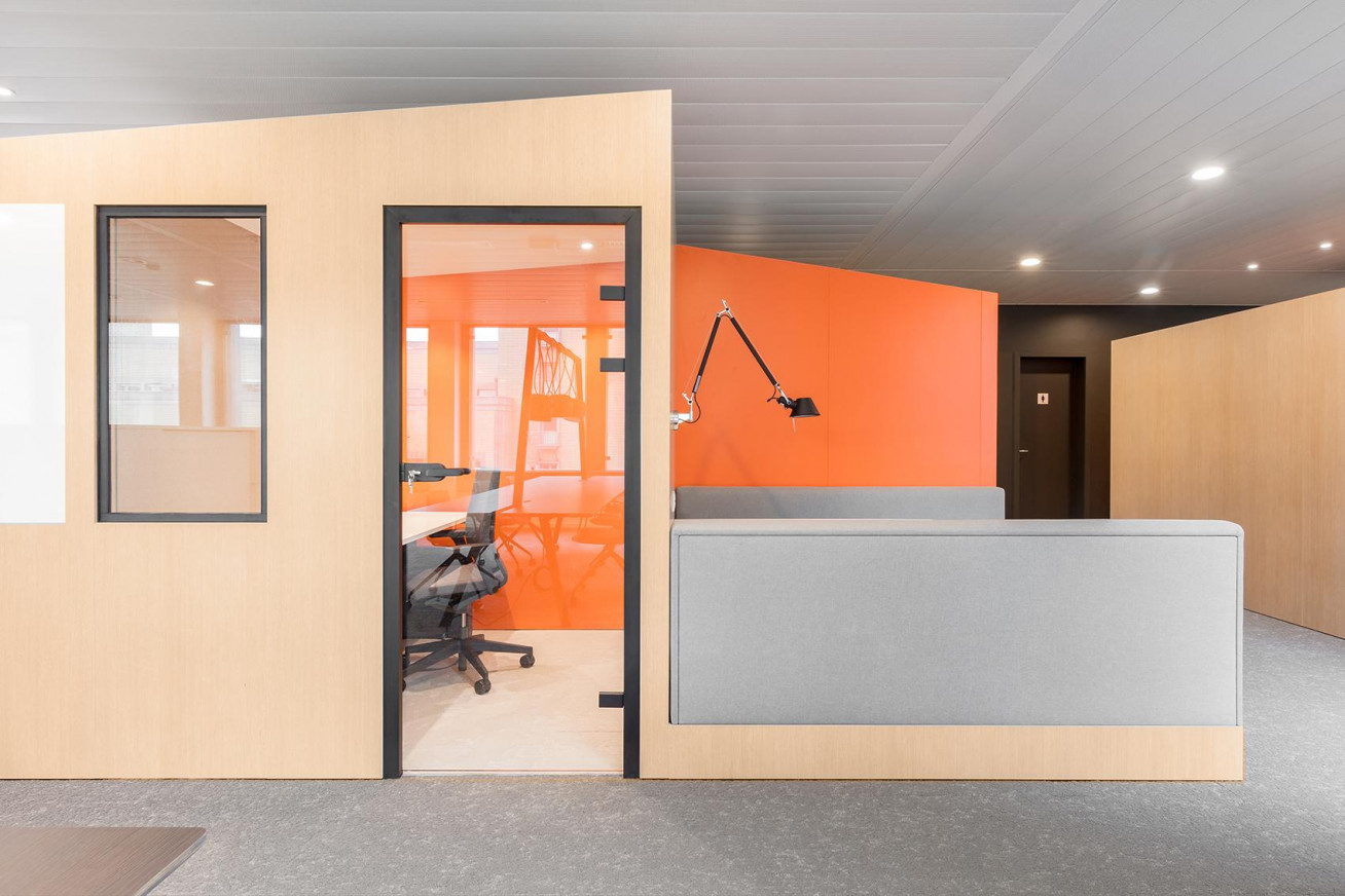 Coming home @ the office  The merger of two insurance companies, Delta Lloyd and NN, with...