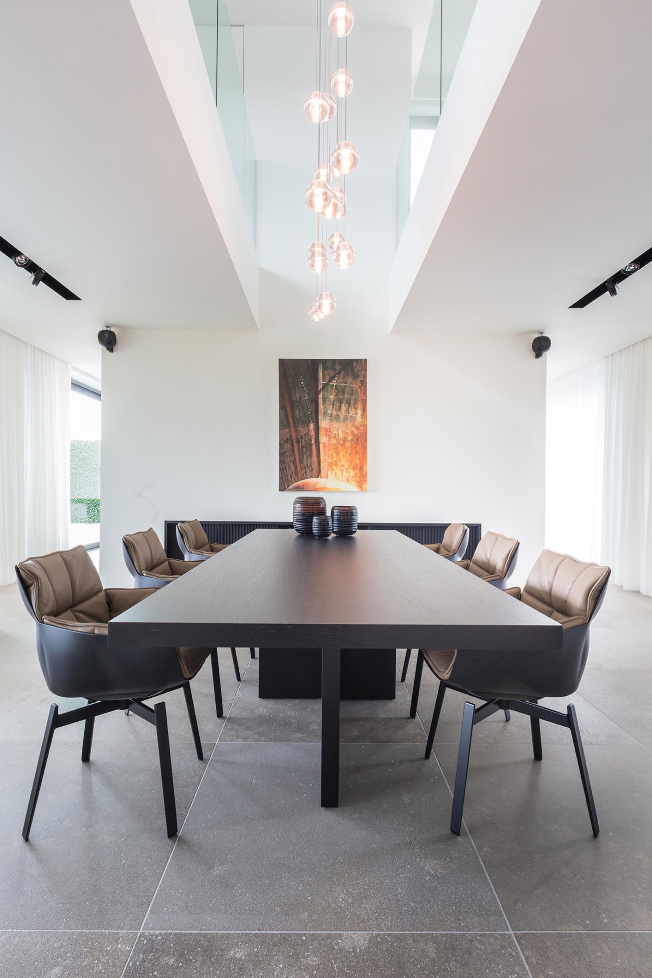 Indulging design  Design classics of B&B Italia, Walter Knoll and Baxter furnish this...