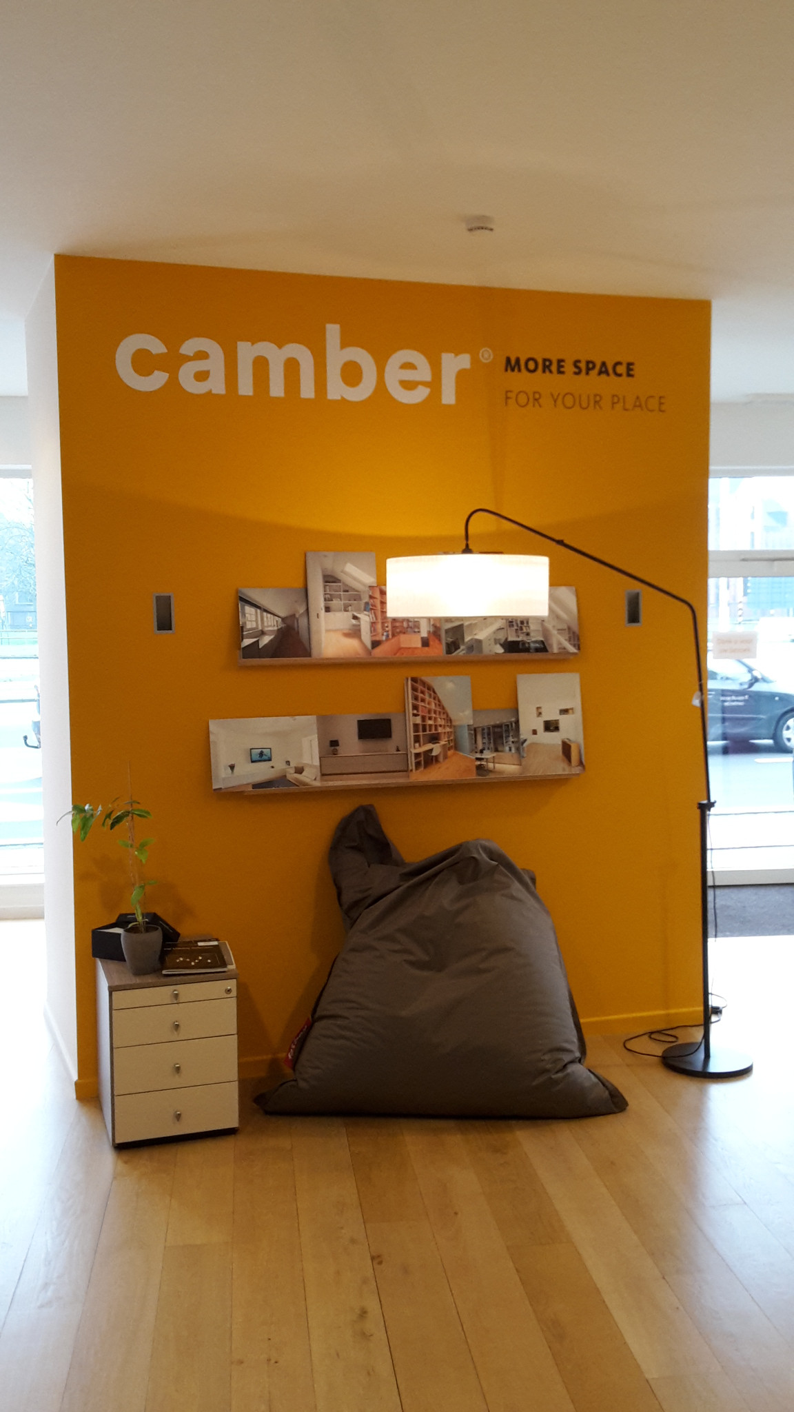 88_Muurstickers_Camber showroom