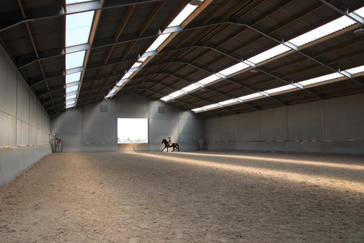 Paardenstal Claeys, Zuienkerke. Agrobouw. Agrarische gebouwen. stallenbouw, stal bouwen, nieuwe stallen, paardenstallen, nieuwe paardenstal, paardenstal bouwen