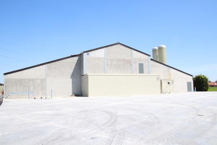 Debaene tony, staden. Agrobouw. Agrarische gebouwen. rundveestallen. varkenstallen. stallenbouw, stal bouwen, nieuwe stallen