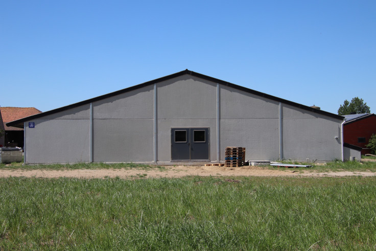 Wyseur - Declercq . Oostnieuwkerke. Agrobouw. Agrarische gebouwen. rundveestallen. varkenstallen.