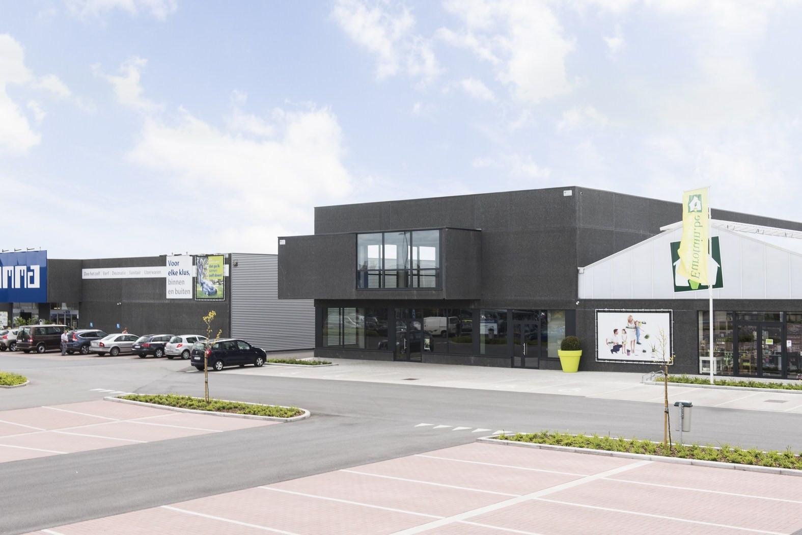 Patridec, Roeselare. Industriegebouw. Industriebouw. Bedrijfsgebouw. Winkelgebouw.