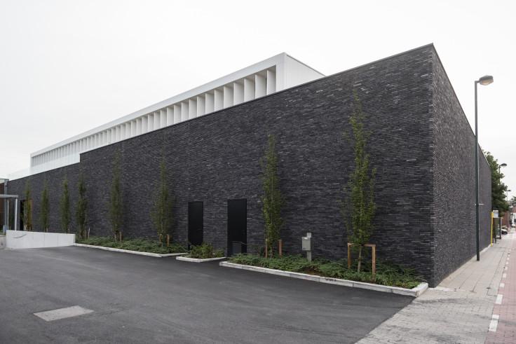 Lava Wielsbeke. Industriegebouw. Industriebouw. Industrieel gebouw. Industriebouw. Kantoorgebouw. Showroom.
