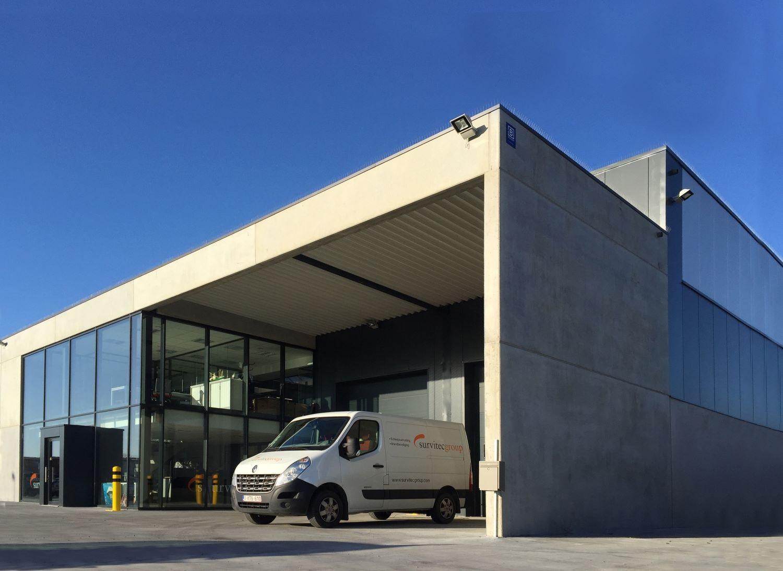SKB Oostende. Industriegebouw. Industriebouw. Industrieel gebouw. Industriebouw. Kantoorgebouw. Opslagloods.