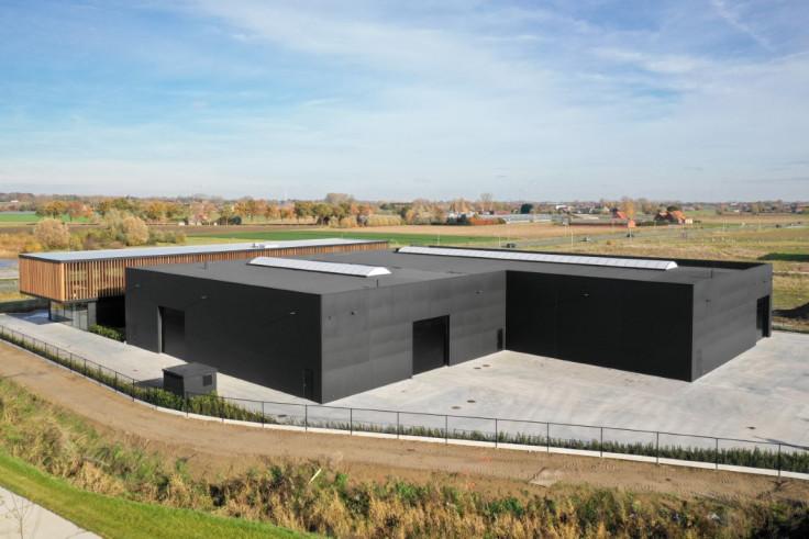 Smart Solutions. Roeselare. Bedrijfsgebouw. Industriebouw. KMO-gebouw. Kantoongebouw.