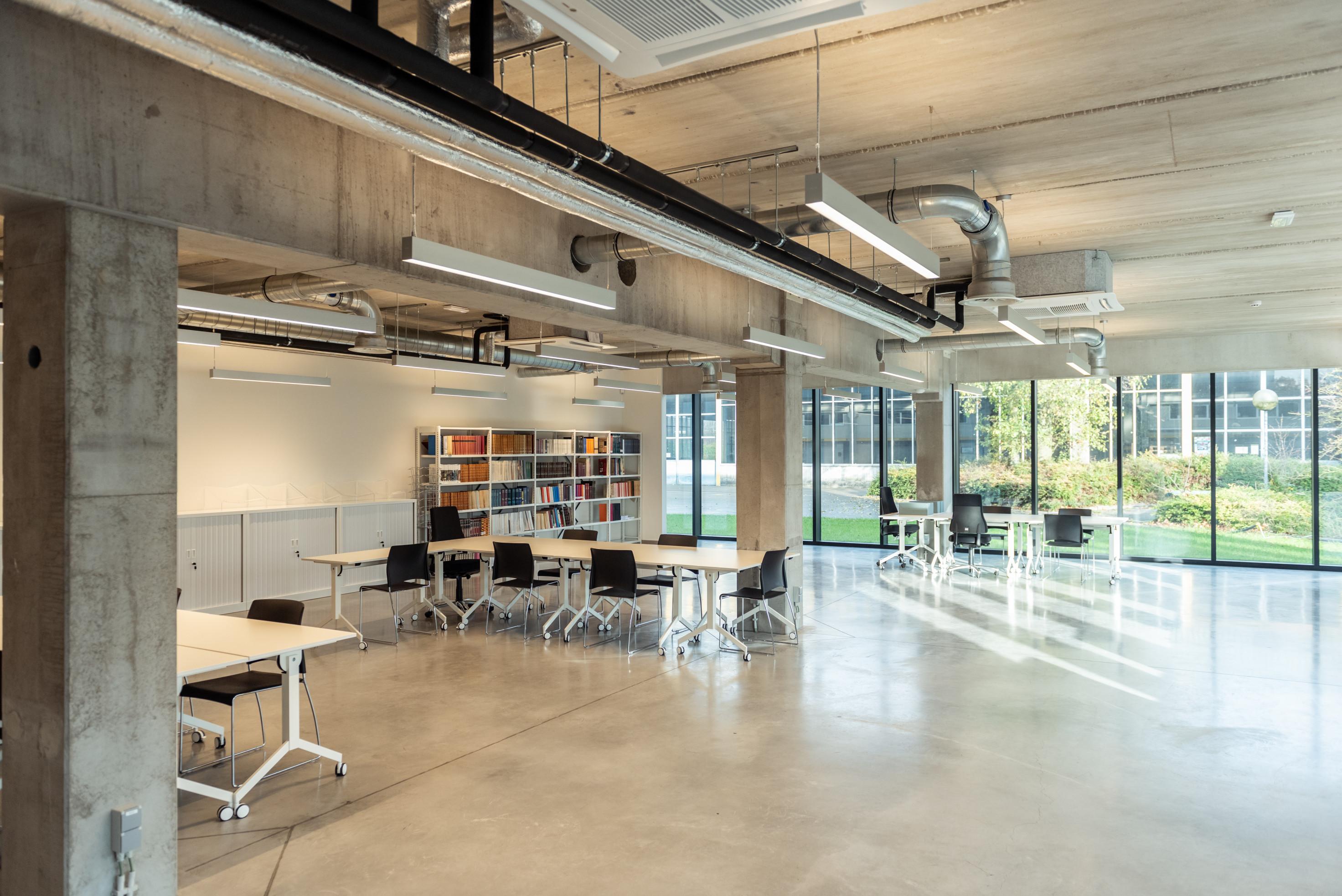 Erfgoeddepot Kortrijk. Industriegebouw. Industriebouw. Industrieel gebouw. Kantoorgebouw.