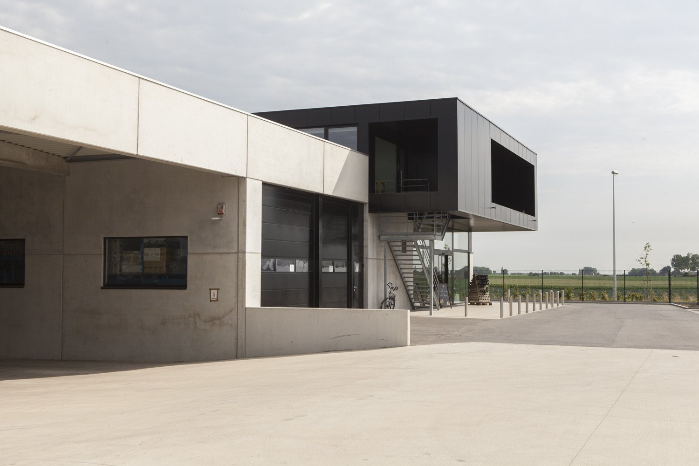 Horeca services Nevejan- distributiecentrum-industriebouw (12).jpg