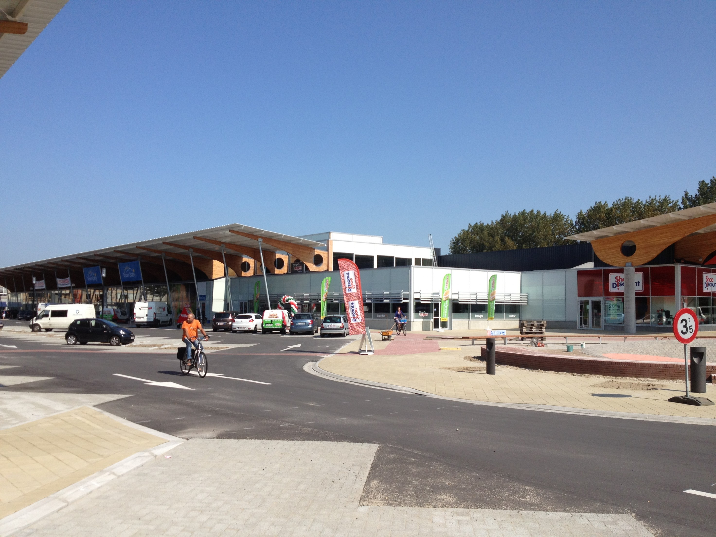 nieuw winkelcomplex te Brugge