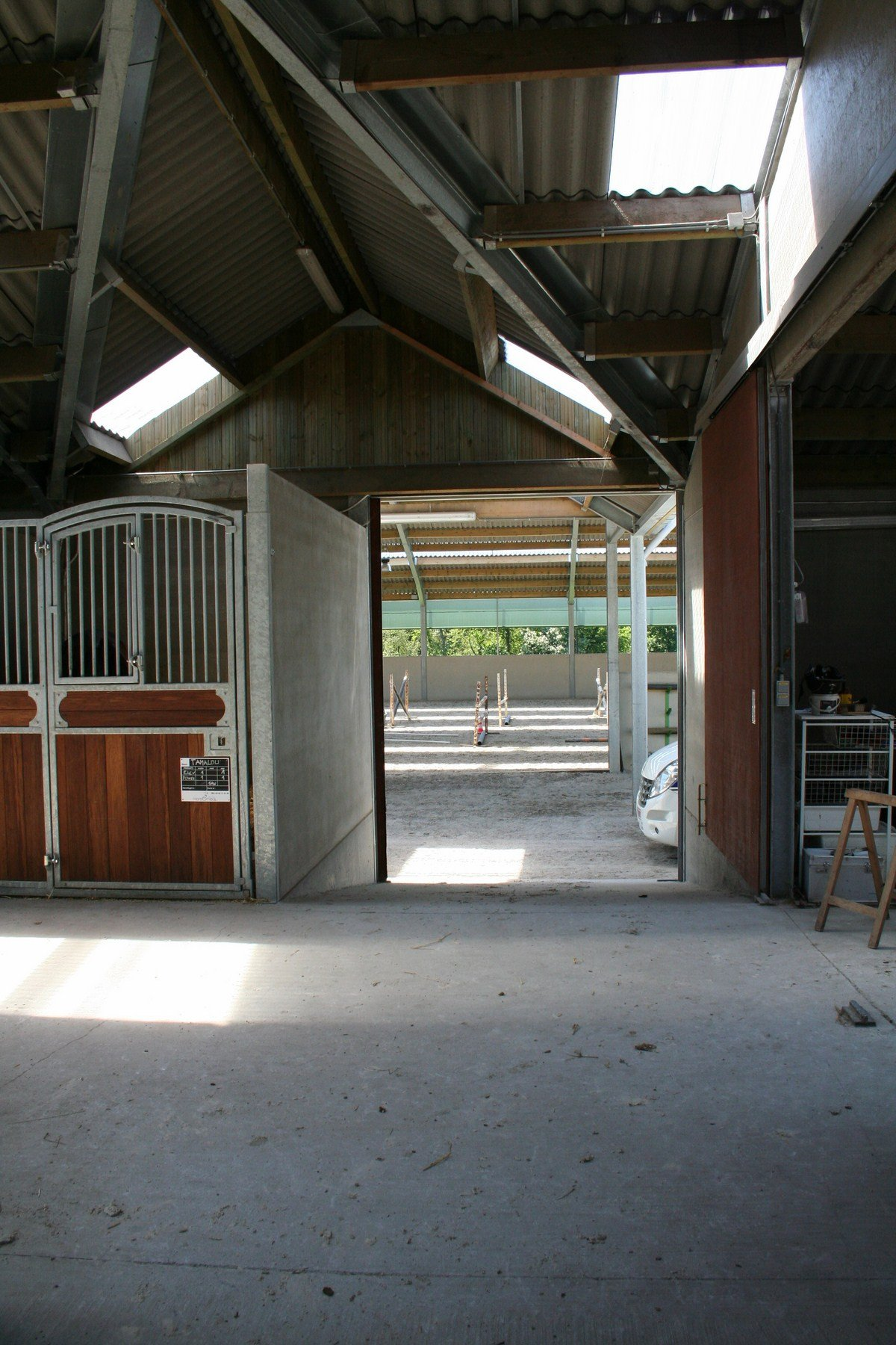 saint hermelle_paardenstallen_paardenboxen_binnenpiste_gouy les Pieton (16)