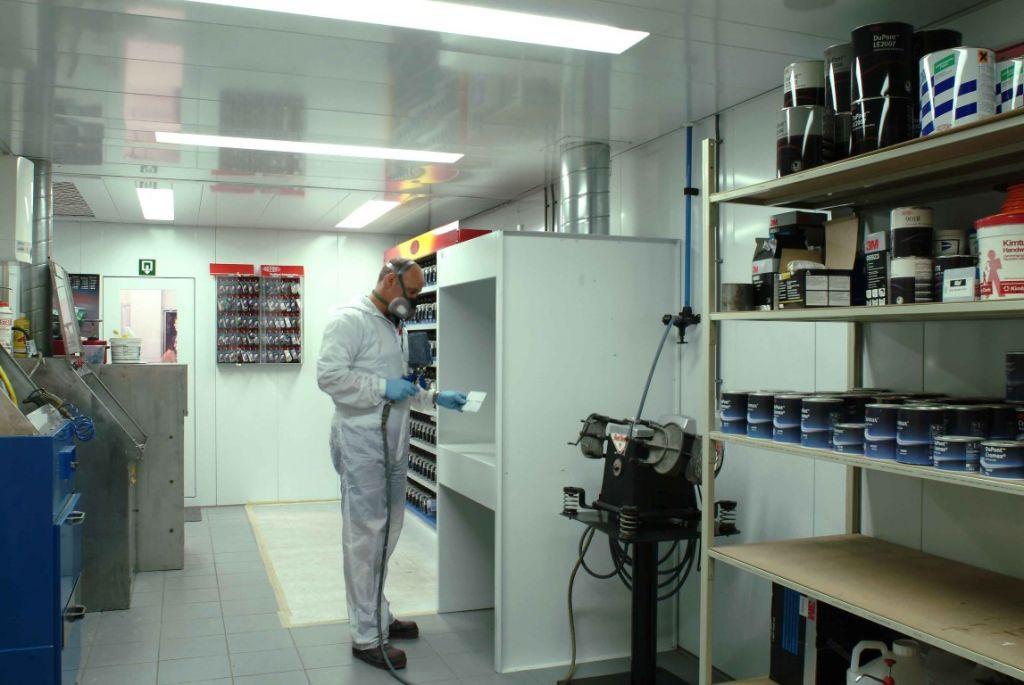 Mengkamer voor carrosserie met proefspuitwand voor het testen van kleine proefstukken