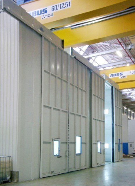 Paintbooth and degreasing booth of 8m height for heavy weight and large elements