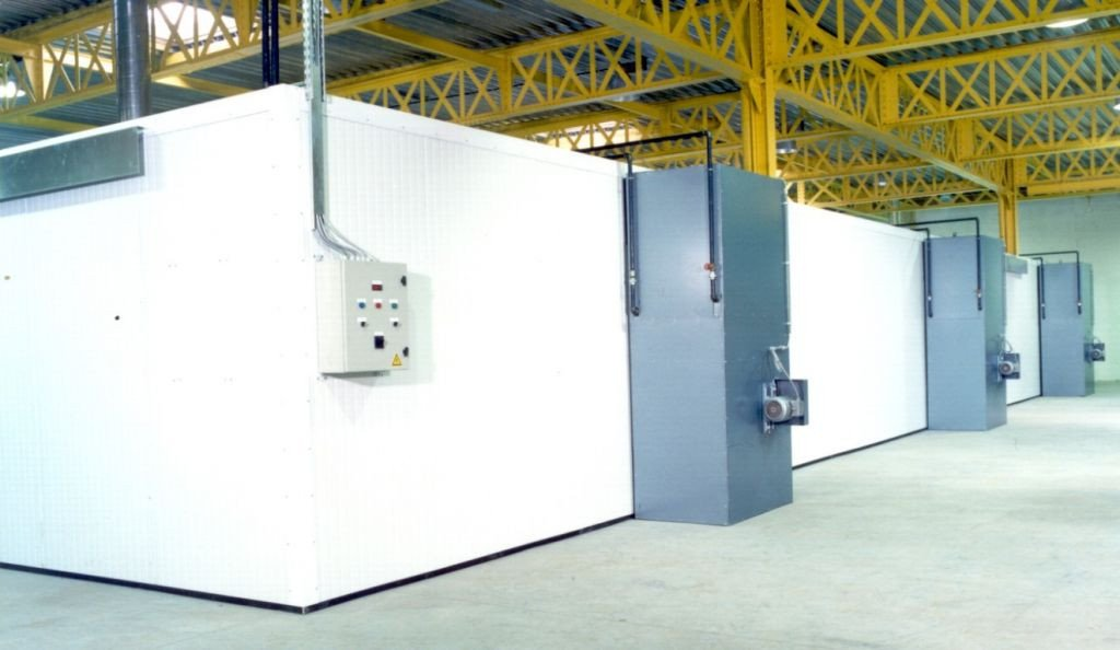 Very big drying room with warm water battery