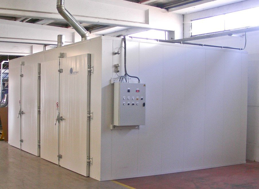 1 big convection oven having 2 bladed revolving doors