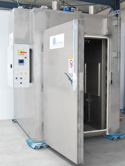 Electric chamber furnace fabricated in stainless steel for wine-industry