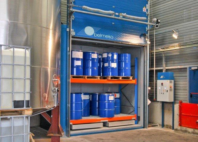 Opwarmoven voor opwarmen van chemische producten in drums & IBC's