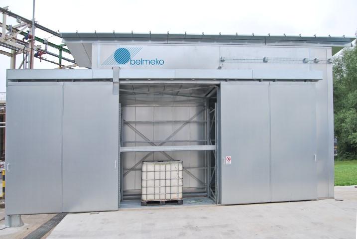 Warmtekamer voor vaten en IBC's : buitenopstelling voor 8 IBC-containers
