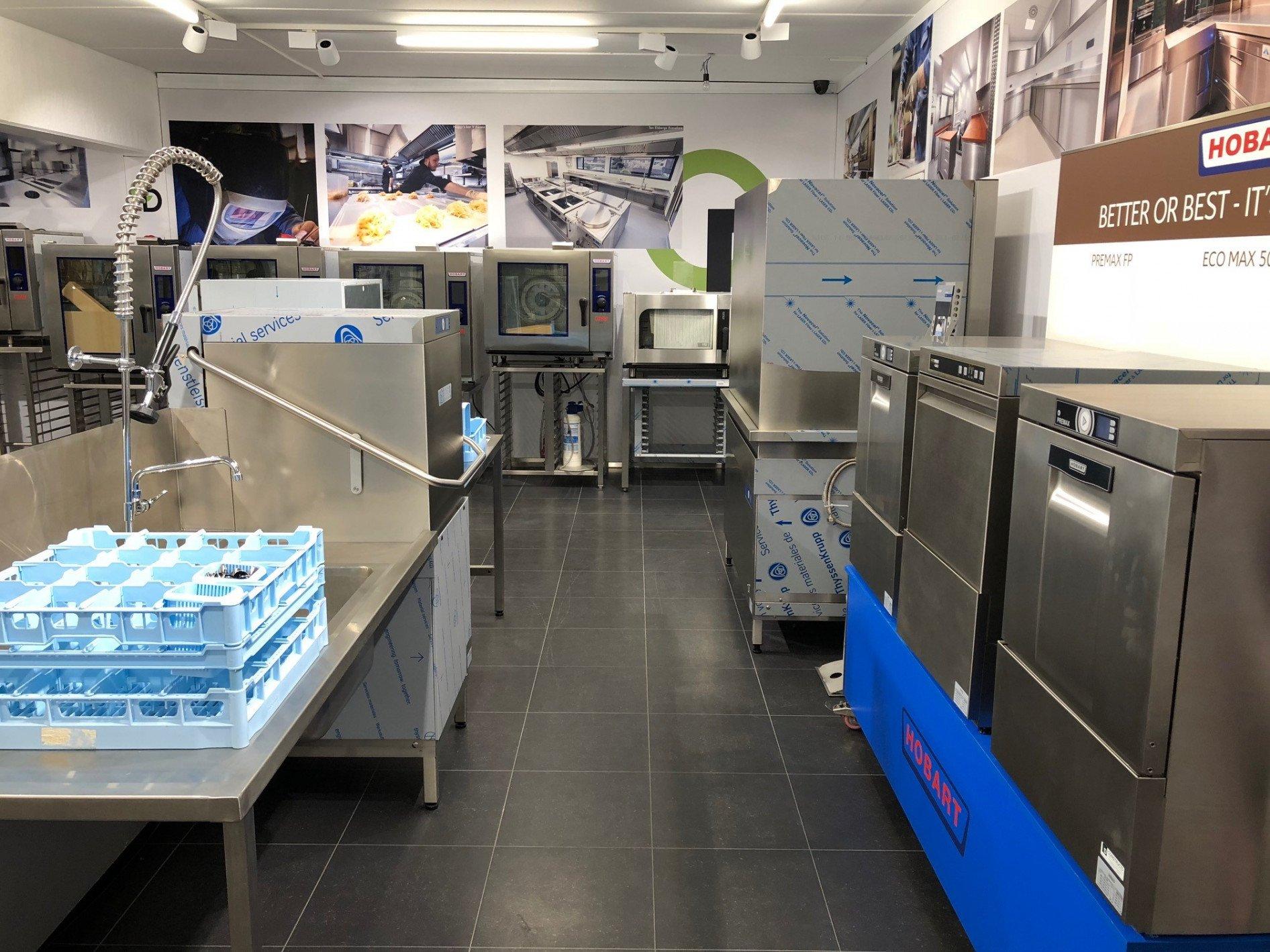 Bij onze uitbreiding van het bedrijf werd naast nieuwe burelen en stockhal ook de showroom...
