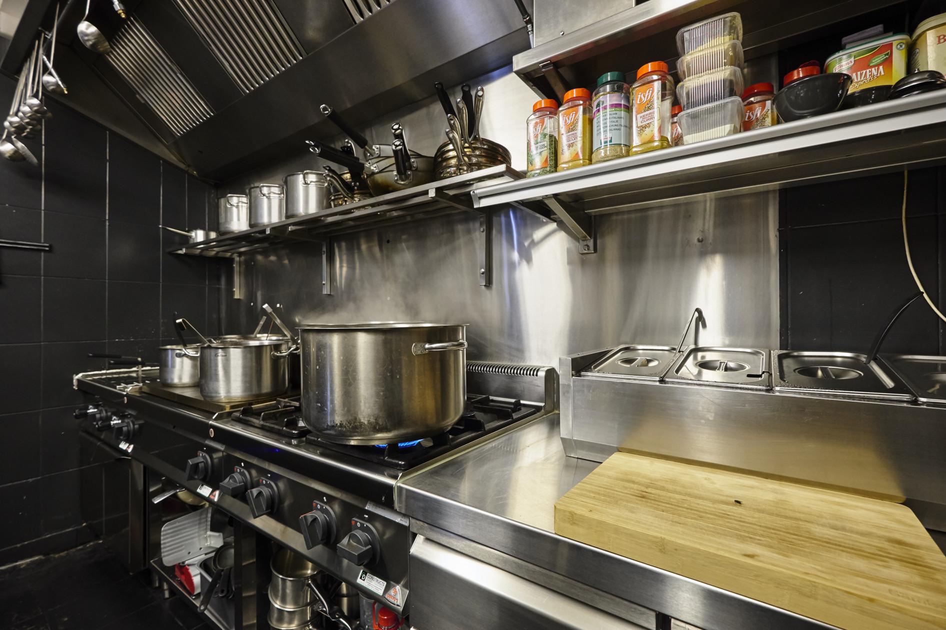 Realisatie Mister Spaghetti Aalst. Feel the Spaghetti Vibe! Een mooi renovatieproject. Allen...