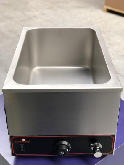 Opzetbainmarie voor het warmhouden van gastronormen 1/1 tot 20cm. Voorzien van aflaatkraan...