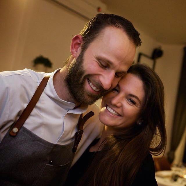 Bij Bert en zijn vrouw Sandra wordt je warm onthaald in hun gezellige huiskamerrestaurant. Het...