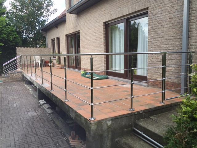 Wij maken het allemaal … in roestvrij staal ! Particulier maatwerkproject terrasleuning met...