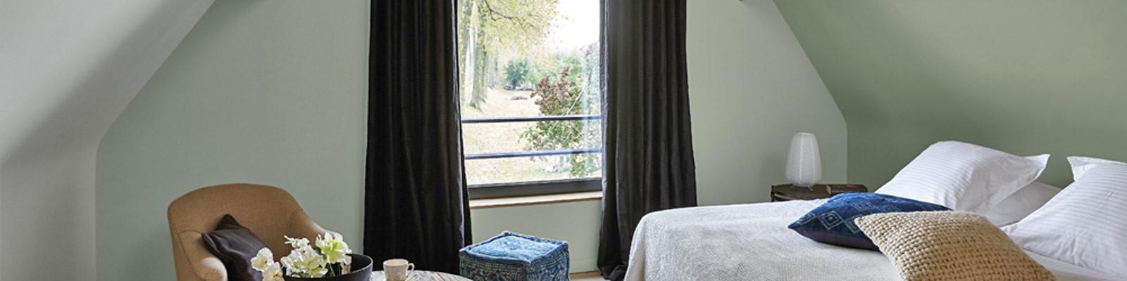 Overgordijn behang slaapkamer verf
