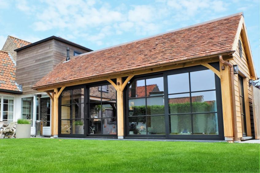 Eiken bijgebouw - aanbouw - Vanhauwood in samenwerking met Cornelis Hout - 1.jpg