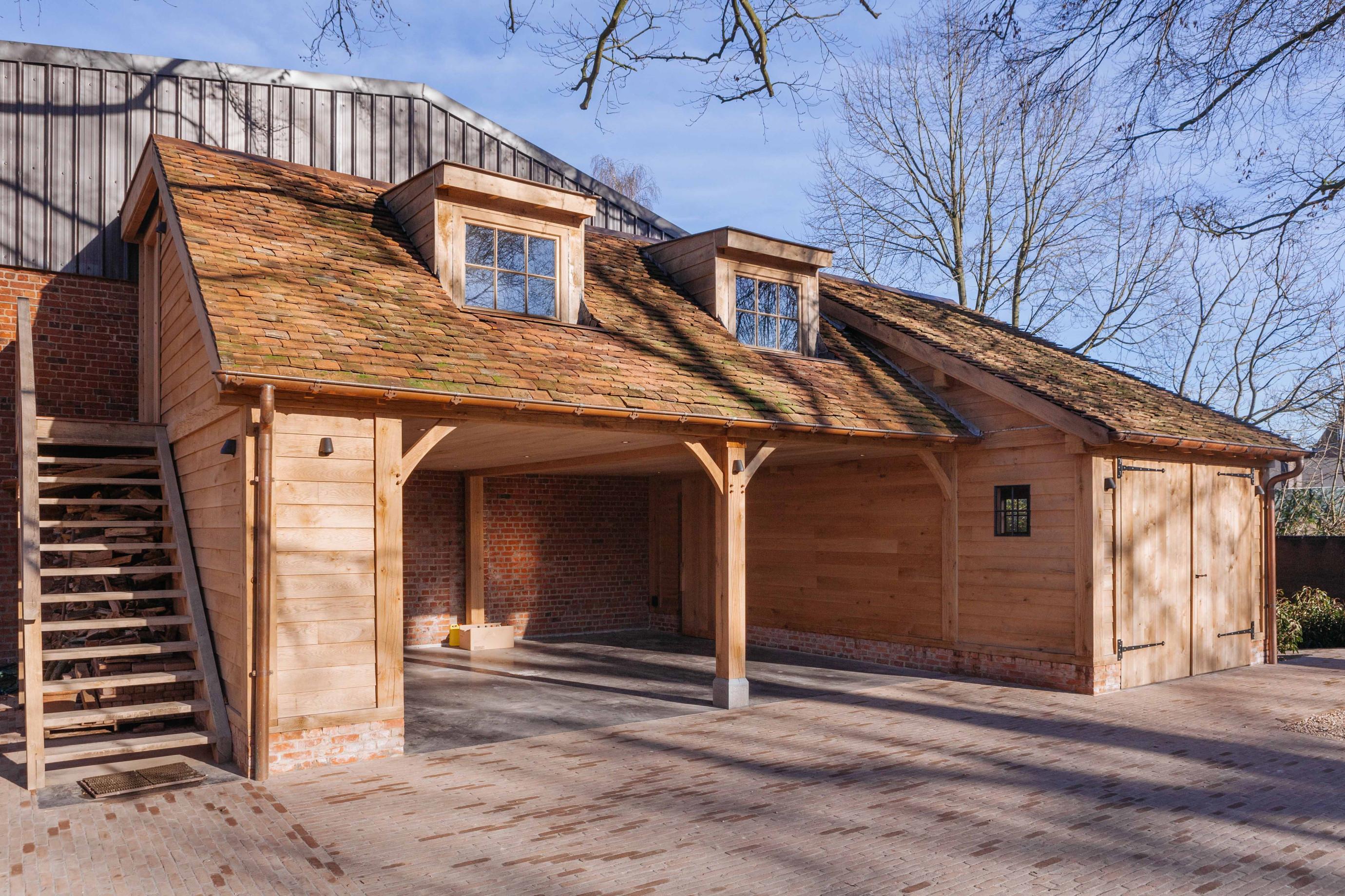 Eiken carport met guest house - Vanhauwood in samenwerking met Cornelis Hout - 1.jpg