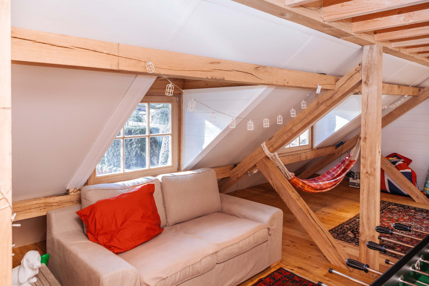 Interieur eiken carport met guest house - Vanhauwood in samenwerking met Cornelis Hout.jpg