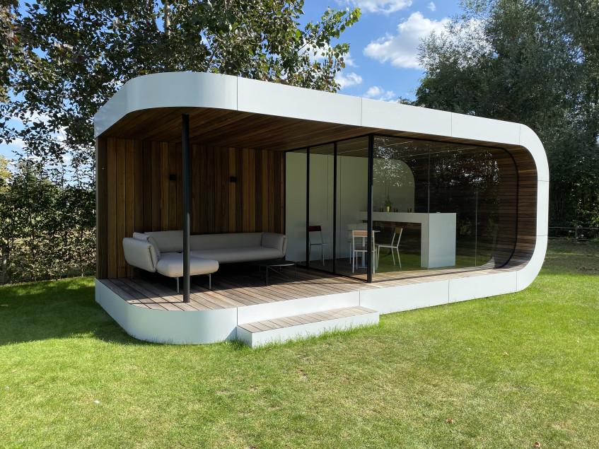 Curv Lounge 3.4x8.jpg