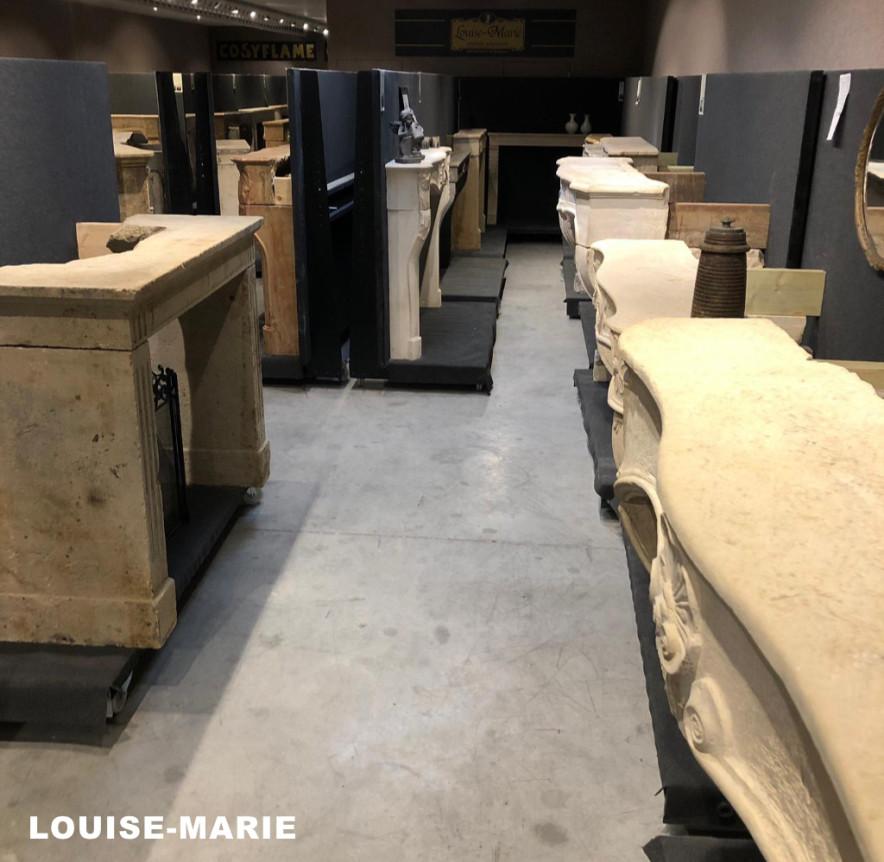 Louise-Marie sierschouwen in de toonzaal