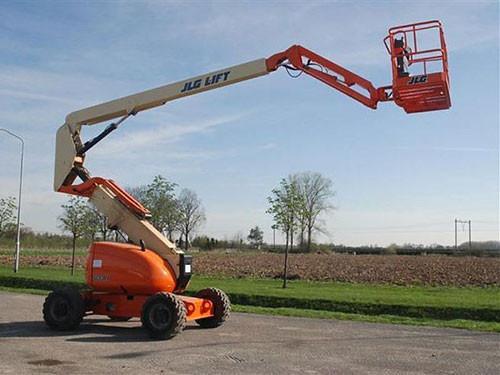 4304 - Diesel knikhoogwerker wh 20m JLG 600AJ.jpg