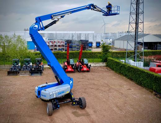 4310 - Diesel knikhoogwerker wh 43m Genie ZX135-70 5.jpg