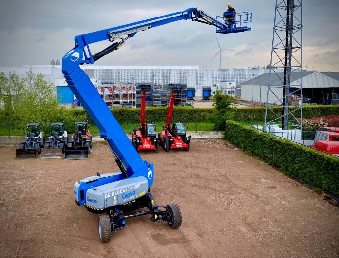 4310 - Diesel knikhoogwerker wh 43m Genie ZX135-70 5