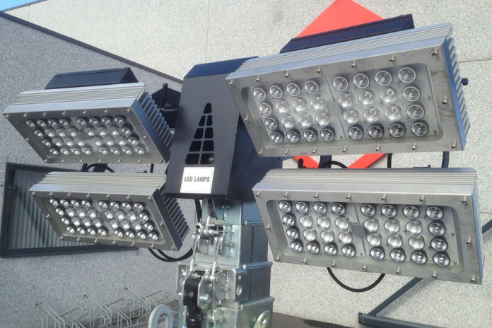 Mailing side banner lichtmast LED