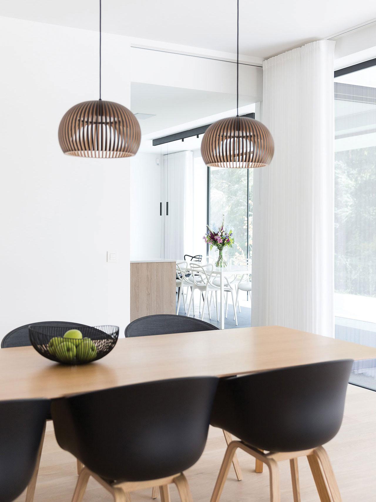 Dekeyzer-hedendaagse-keuken-greeploos-satijnlak-houtdecor-8.jpg