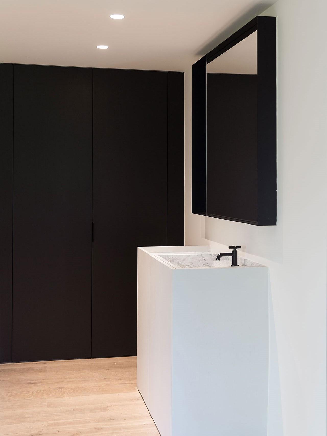 totaalinrichting-badkamer-haard-vestiaire-marmer-3.jpg