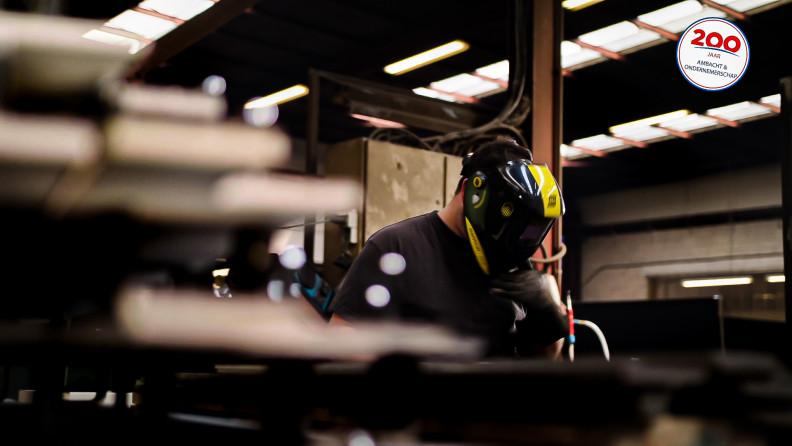 Machinebouw-werknemer-atelier