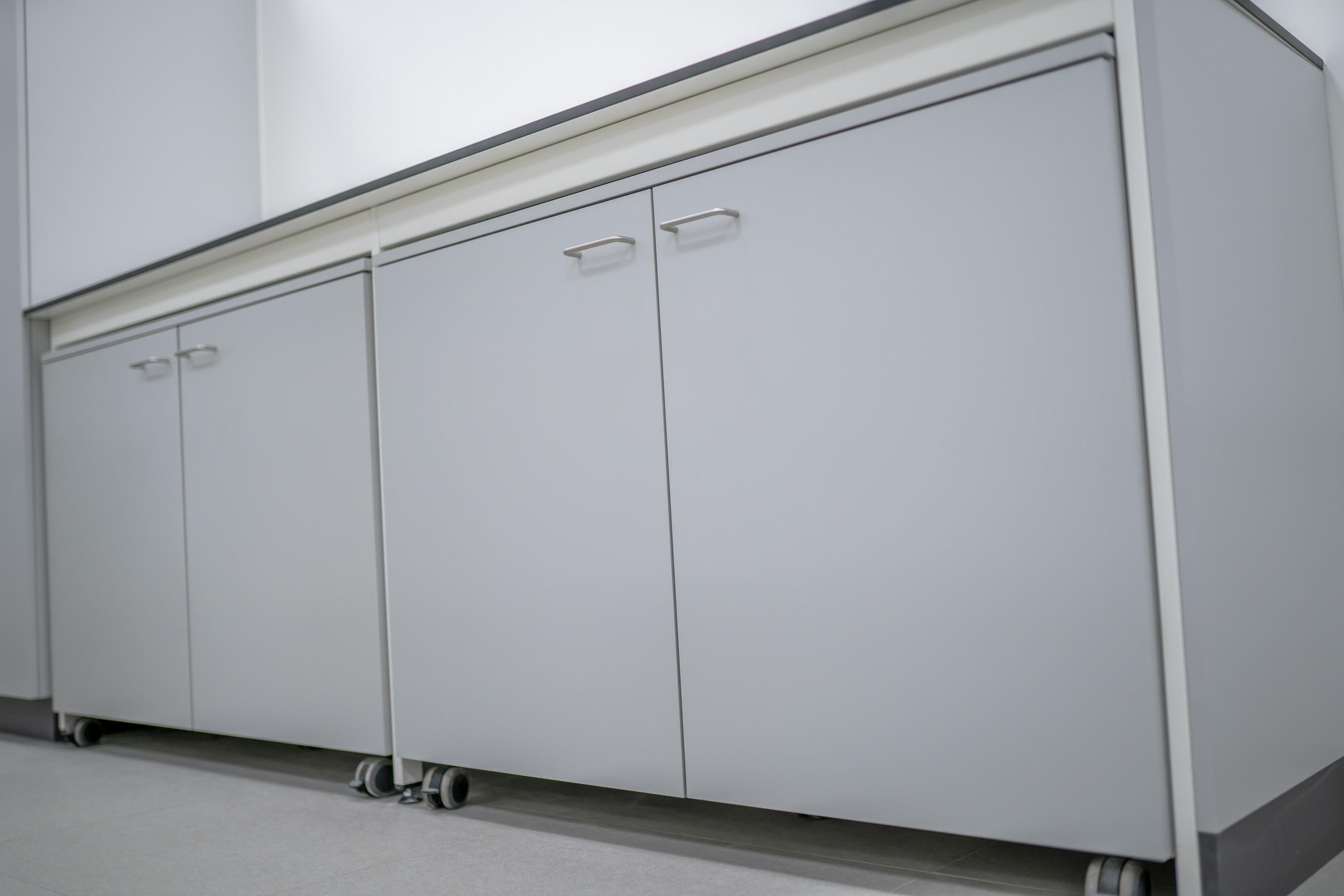 Sous-armoires roulantes