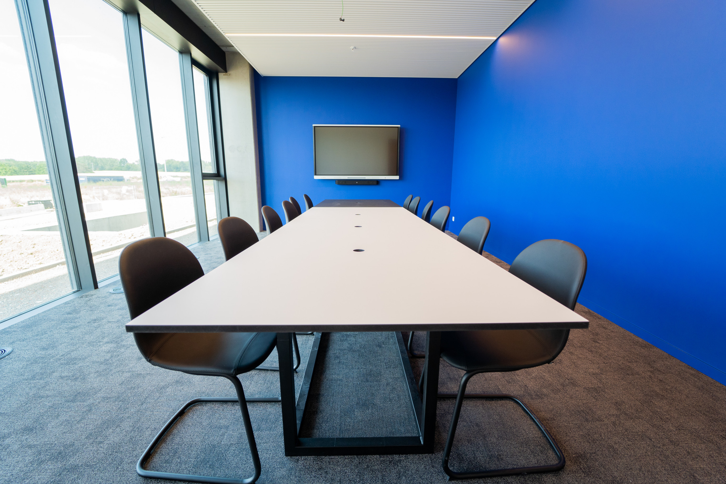 Mobilier d'office: table de réunion