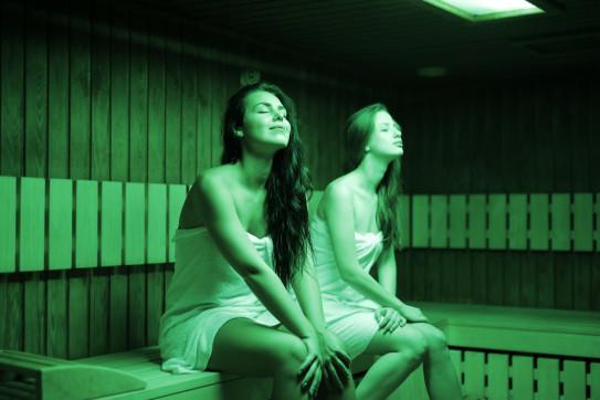 sauna-mother-daughter