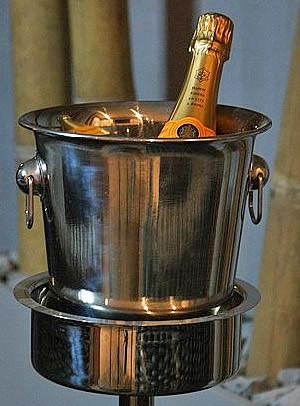 Maison-Beau-arrangementen-champagne-fles