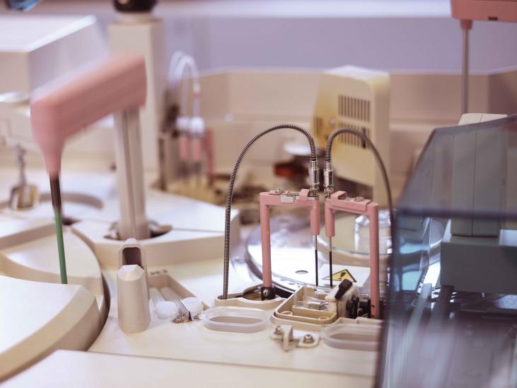 Het labo is erkend door het Wetenschappelijk Instituut Volksgezondheid - Louis Pasteur onder...