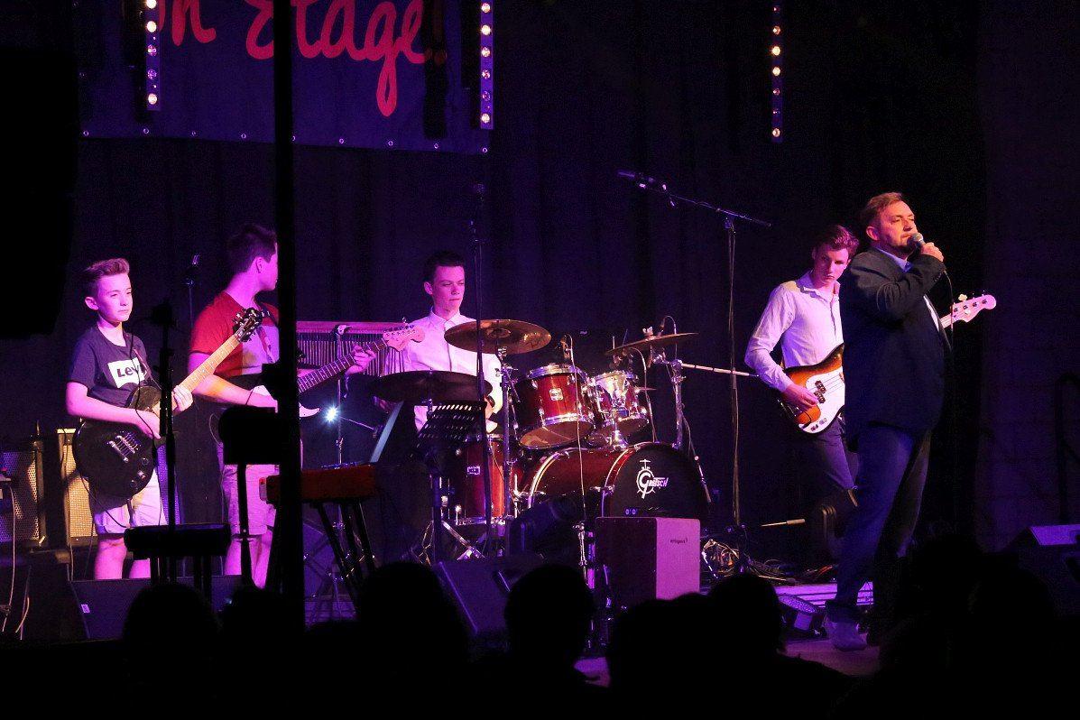 Bandcoaching 7, band on stage, muziek, muziekhuis, popmuziek muziekschool