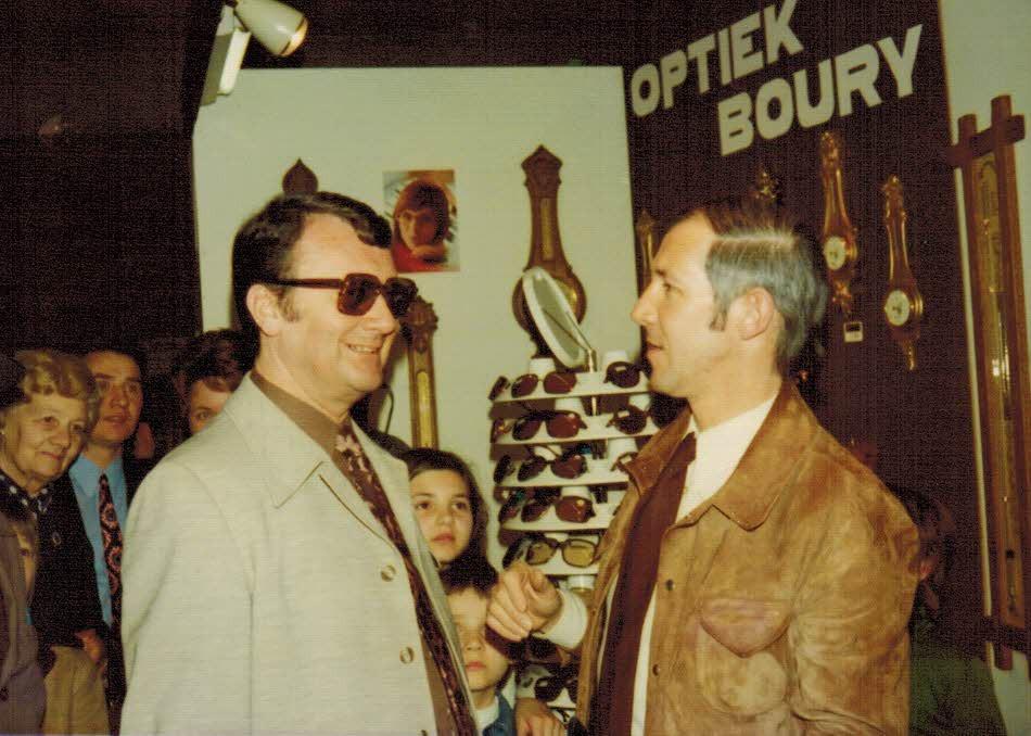 Armand Pien en Frans Boury bij opening winkel