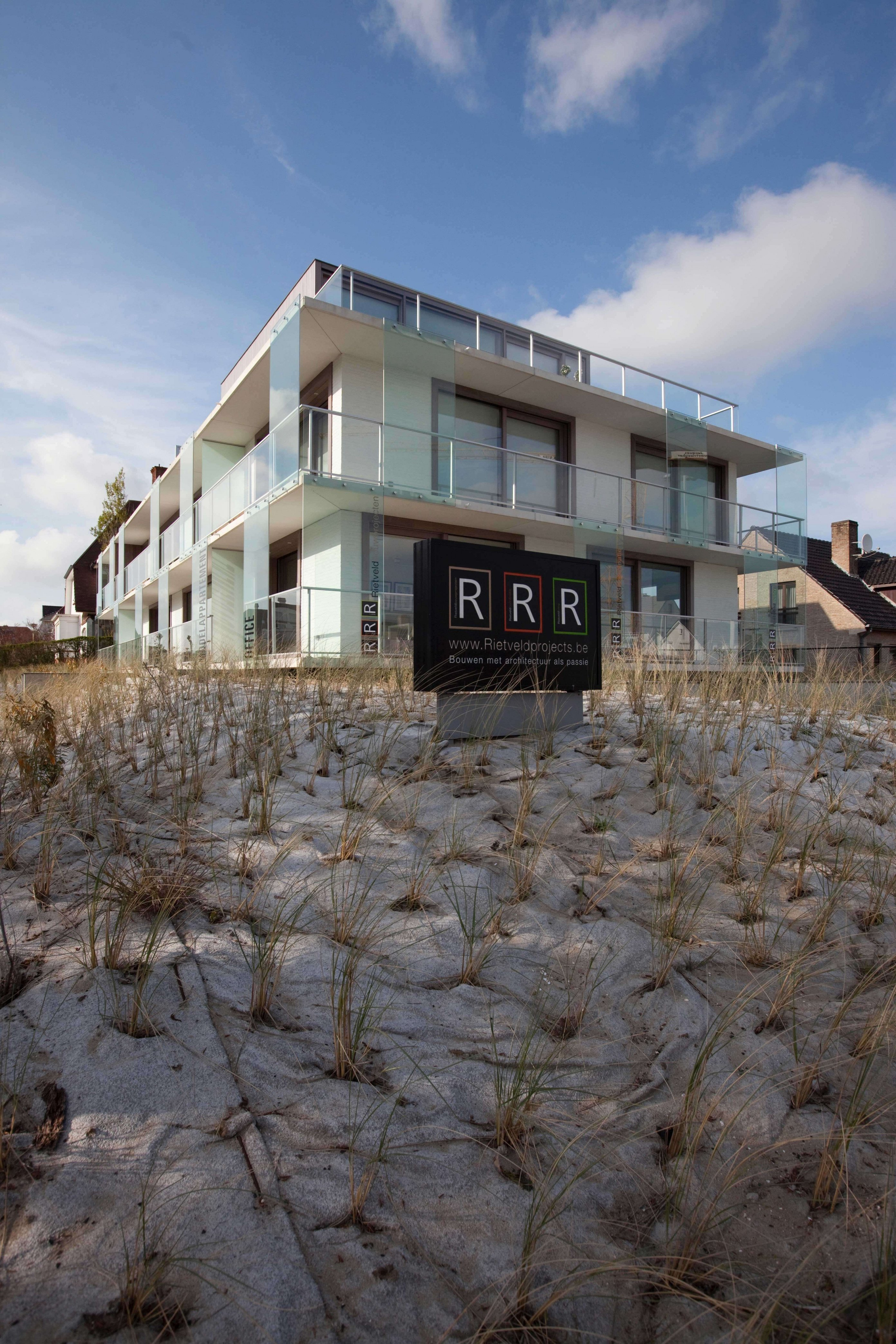 Rietveldprojects.be-Eames-appartement-design-architectuur-kust18