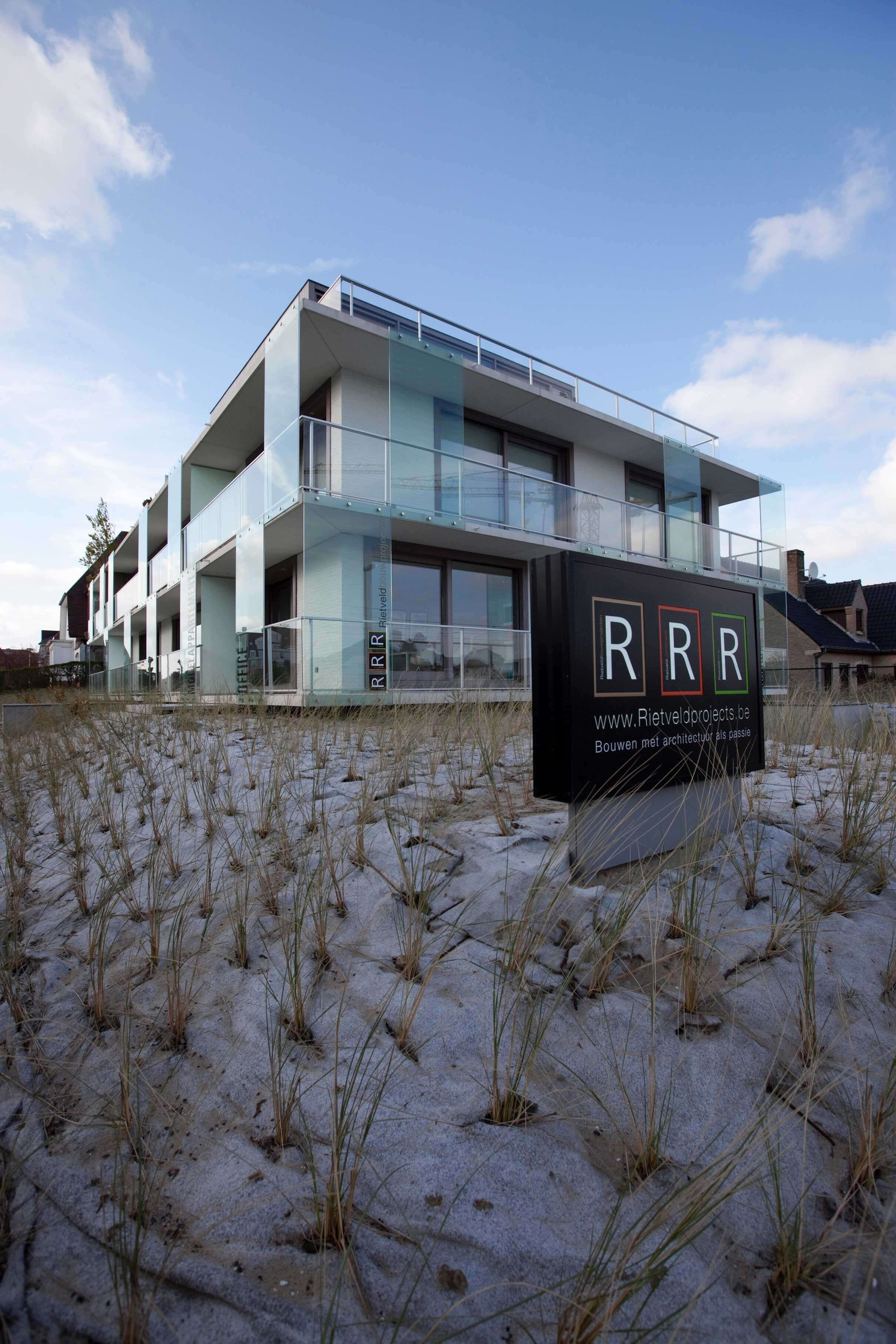 Rietveldprojects.be-Eames-appartement-design-architectuur-kust32