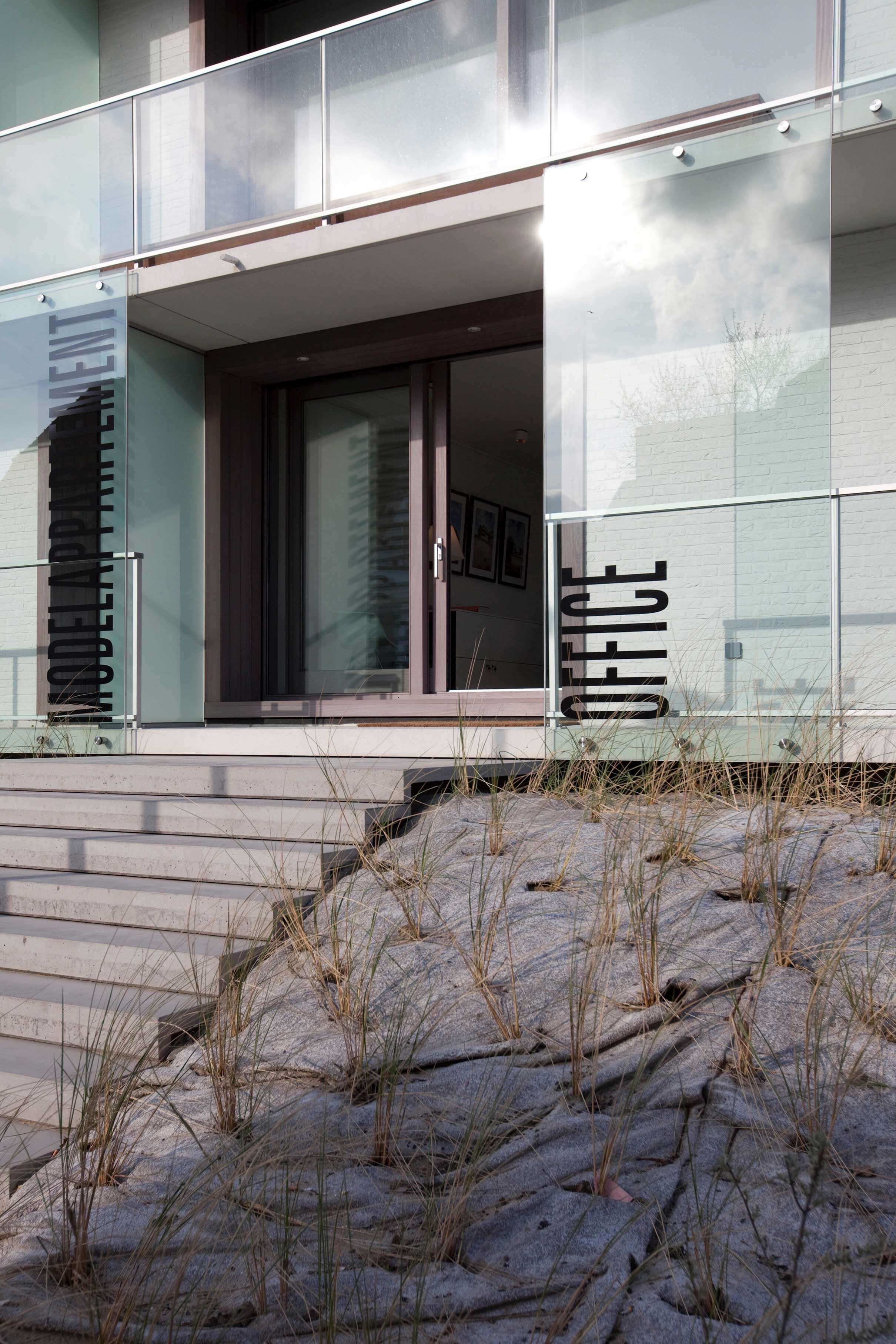 Rietveldprojects.be-Eames-appartement-design-architectuur-kust7